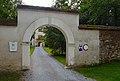 Schloss Thannhausen wall portal.jpg