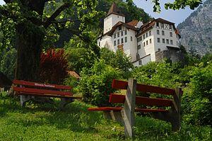 Wimmis - Wimmis castle above the village