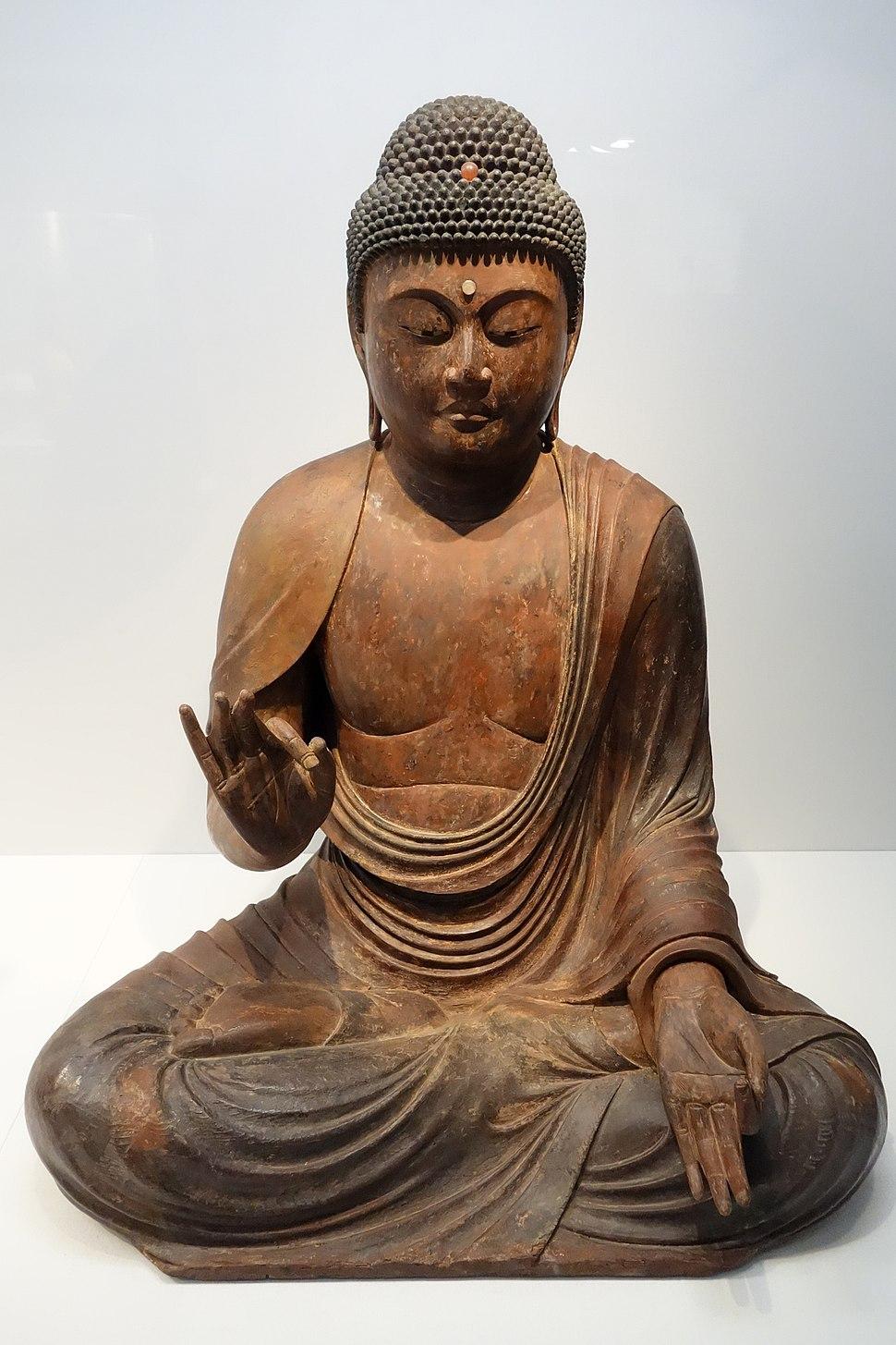 Seated Amida Nyorai (Amitabha), Kamakura period, 12th-13th century, wood with gold leaf and inlaid crystal eyes - Tokyo National Museum - DSC05345