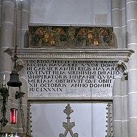Sepulcro de la reina Urraca, Catedral de Palencia.jpg
