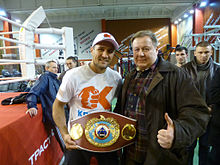 Sergey Kovalev boxer with fan.jpg