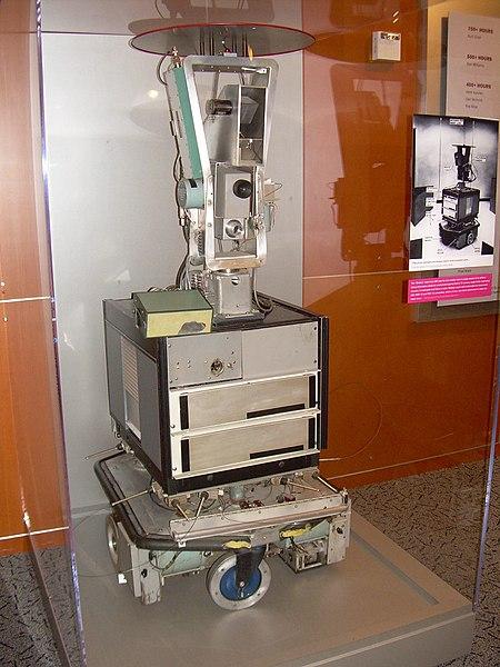 Shakey the Robot (desarrollado entre 1966-1972 en SRI International) - robótica - Computer History Museum (2007-11-10 23.16.01 por Carlo Nardone) .jpg