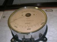 Siemens Legacy Voltmeter.png