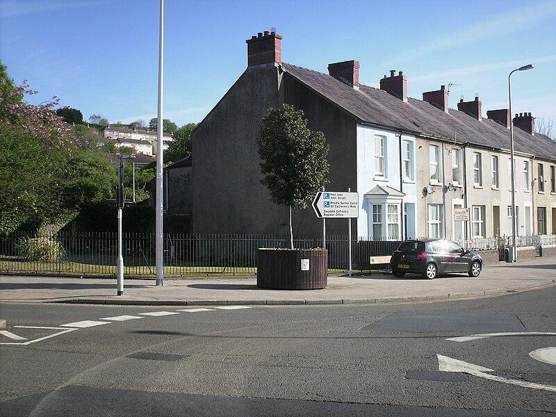 File:Site of Old Oak, Carmarthen.jpg