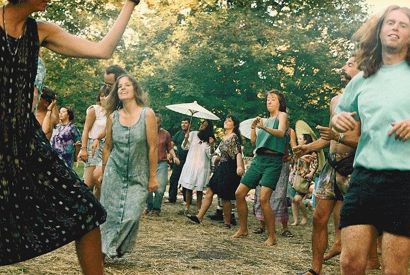 File:Snoqualmie Moondance dancers 02.jpg