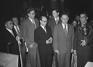 Soviet team 1954 Chess Olympiad.jpg