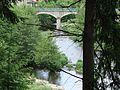 St.Martin-de-Valamas (Ardèche) l'Eysse (à gauche) affluent dans l'Eyrieux (avec pont).JPG