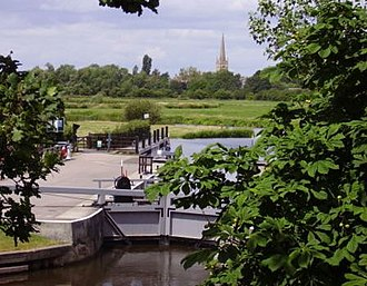 St John's Lock - St John's Lock, with Lechlade in the background