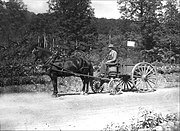 State Highway Dept horse and wagon -- Keene, NH, 1900.jpg