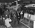 Statiebezoek van de Sjah aan Nederland, 2e dag, bezoek aan Fokkerfabriek, Bestanddeelnr 910-3822.jpg