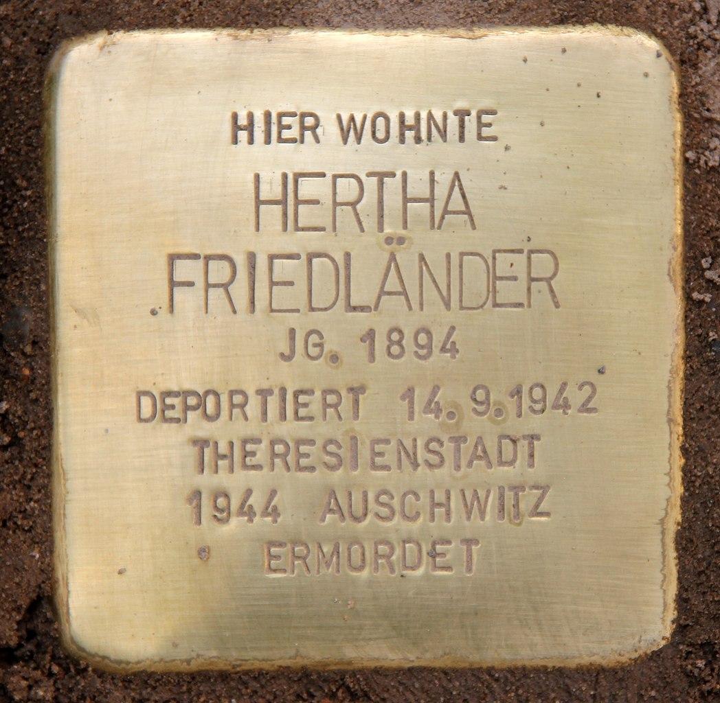 File:Stolperstein Wrangelstr 6-7 (Stegl) Hertha Friedländer