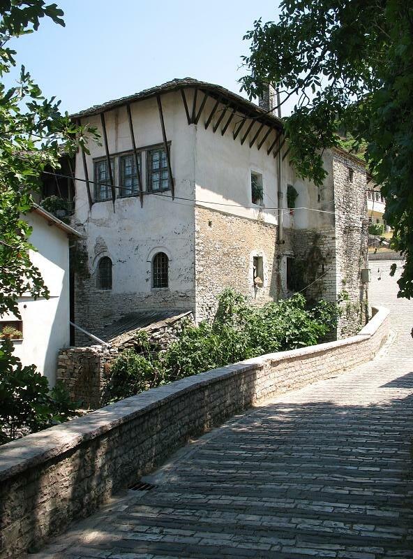 Streets in Gjirokast%C3%ABr 003