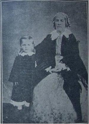 Iancu Jianu - Sultana, Jianu's wife with her nephew, Iancu Dobroveanu