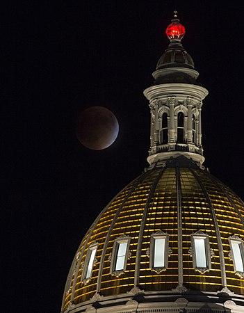 Supermoon Eclipse in Denver, Colorado.jpg