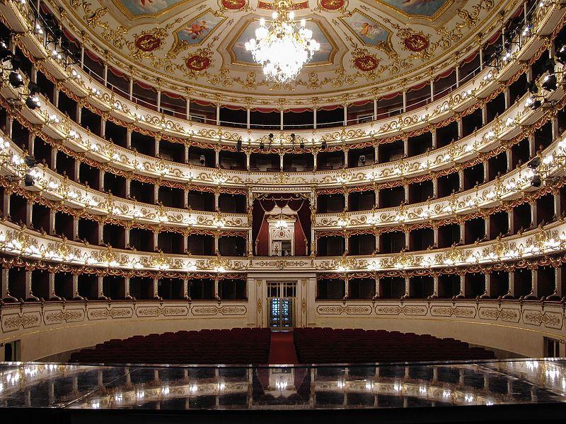 File:Teatro Romolo Valli Reggio Emilia-2.jpg