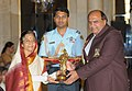 The President, Smt. Pratibha Devisingh Patil presenting the Dronacharya Award-2009 to Shri Satpal for Wrestling, in a glittering ceremony, at Rashtrapati Bhawan, in New Delhi on August 29, 2009.jpg