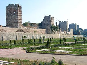 Zwinger - Part view of the Theodosian Wall of the former city of Constantinople. In the foreground: the double Zwinger.