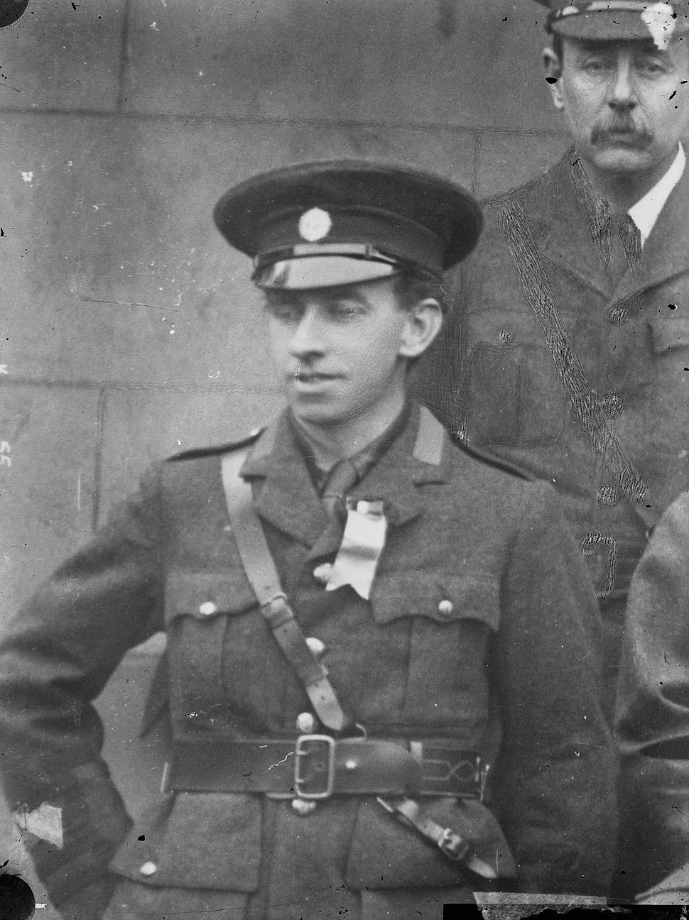 Thomas MacDonagh in uniform, half-length portrait (24469972256)