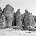 Timna in de Negevwoestijn rotspartij de zuilen van Salomo, Bestanddeelnr 255-3686.jpg