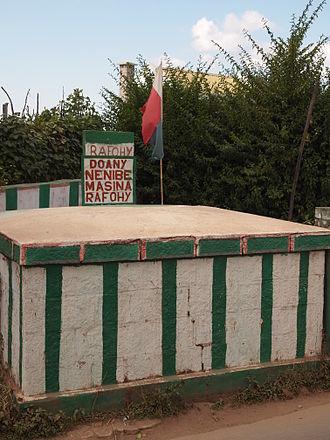 Rafohy - Symbolic tomb of Rafohy in Alasora