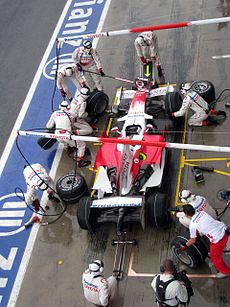 Toyota pit stop Monza 2008.jpg