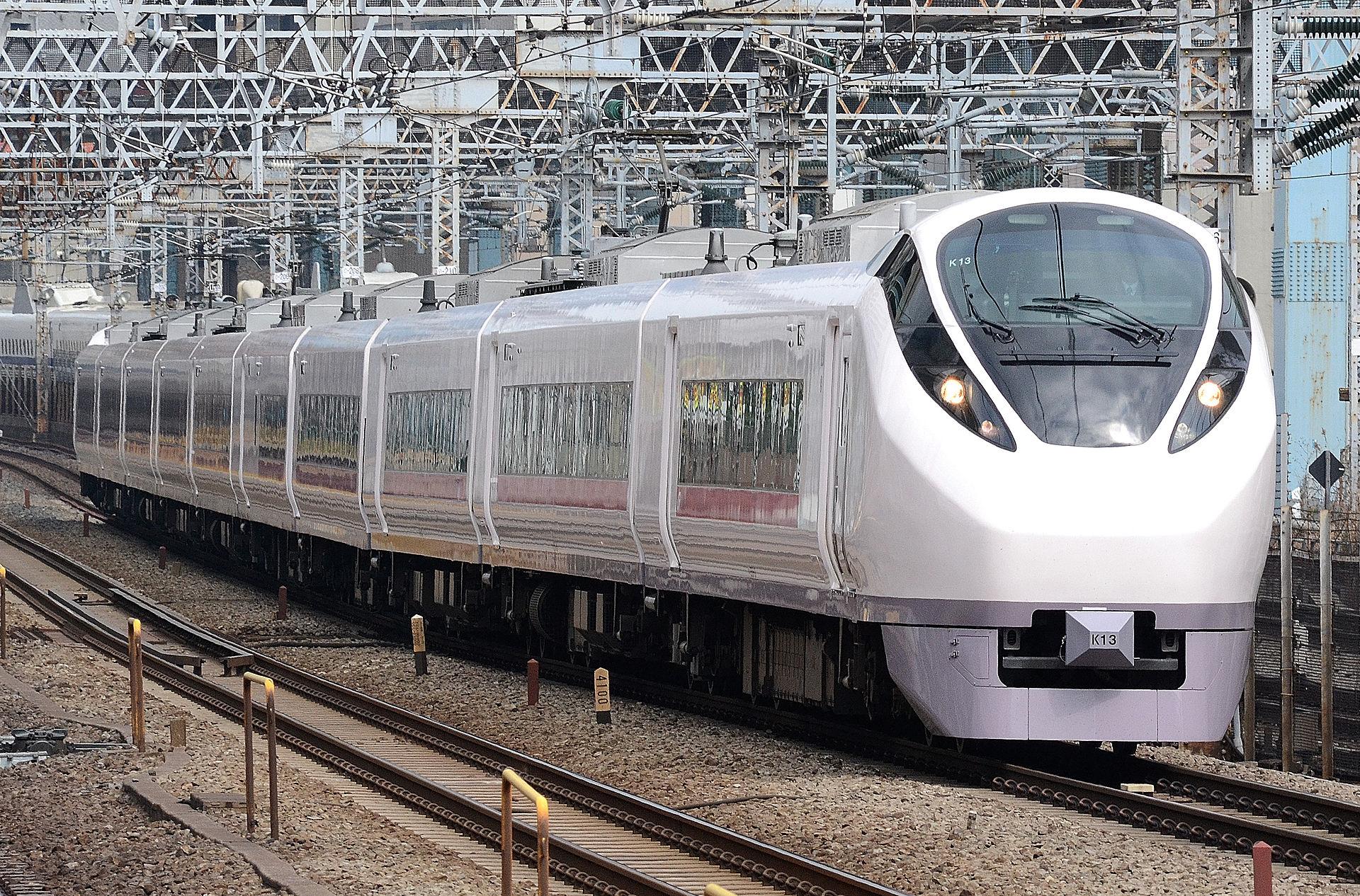 https://upload.wikimedia.org/wikipedia/commons/thumb/e/ec/Ueno_tokyo_line_E657.JPG/1920px-Ueno_tokyo_line_E657.JPG