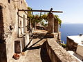 Una terraza frente al mar, Isla de Alicudi, Islas Eolias, Sicilia, Italia, 2015.JPG