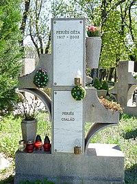 Urn grave of Géza Perjés (Óbuda Cemetery).jpg