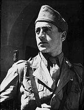 Ustascha-Soldat mit Gewehr StAF W 134 Nr. 026023 Bild 1 (5-92159-1).jpg