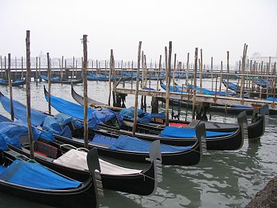 Venezia gondole 1.jpg