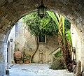 Vicolo di Ortigia.jpg