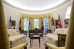 View of Oval Office in 2017.jpg