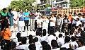 Vijay Goel addressing at the flag-off ceremony of the 6th Slum Yuva Daud, at Hari Nagar Depot, in New Delhi.jpg