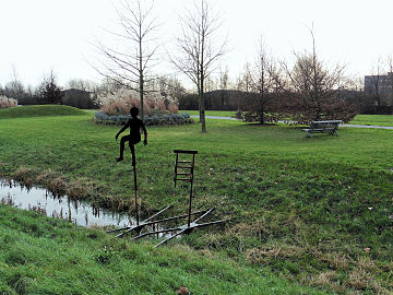 Villeneuve d'Ascq « Petite scène improbable au-dessus de l'eau ».jpg