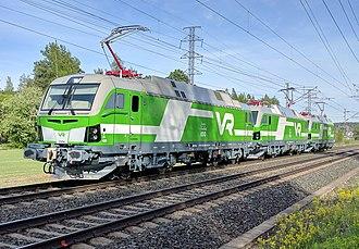 VR (company) - Three VR class Sr3 locomotives between Hämeenlinna and Parola stations