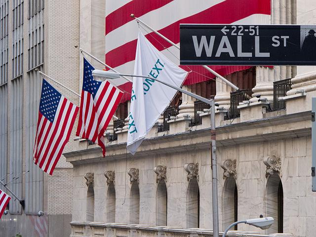 Wall_Street_-_New_York_Stock_Exchange.jpg: Wall Street - New York Stock Exchange
