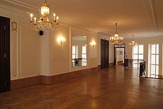 Meistersaal - The Wandelhalle. Left the hall doors of the Meistersaal, in the background the passageway to the Green Salon.