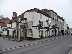 Warminster - The Masons Arms - geograph.org.uk - 1186931.jpg