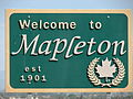 Welcome to Mapleton sign.JPG