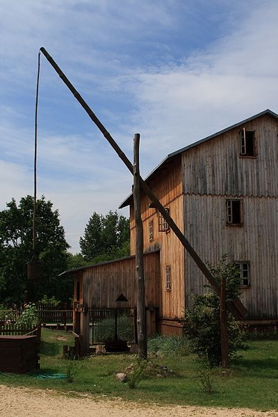 File:Well sweep. Żuraw studzienny. - panoramio.jpg