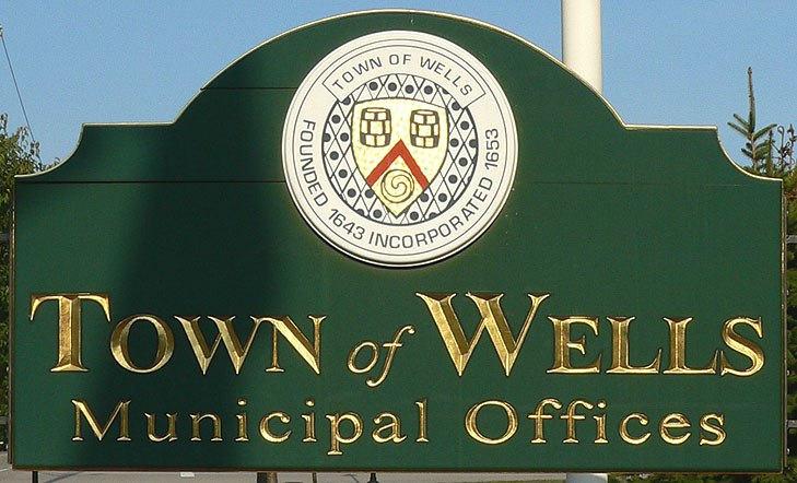 Wells maine municipal offices sign 2006