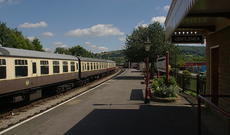 File:Winchcombe railway station MMB 02.jpg