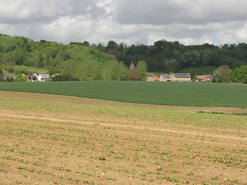 Wissignicourt (Aisne) paysage avec vue du village