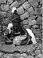 Women grinding 1912.jpg