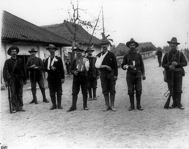 Wounded American soldiers at Santa Mesa
