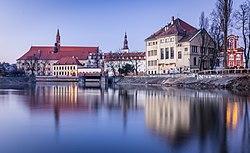 Wrocław - widok z Wyspy Slodowej - wyspa Tamka.jpg