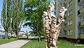 Wyrzeźbiona grupa Krasnoludków z bajki Marii Konopnickiej. - panoramio (1).jpg