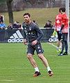 Xabi Alonso Training 2017-03 FC Bayern Muenchen-4.jpg
