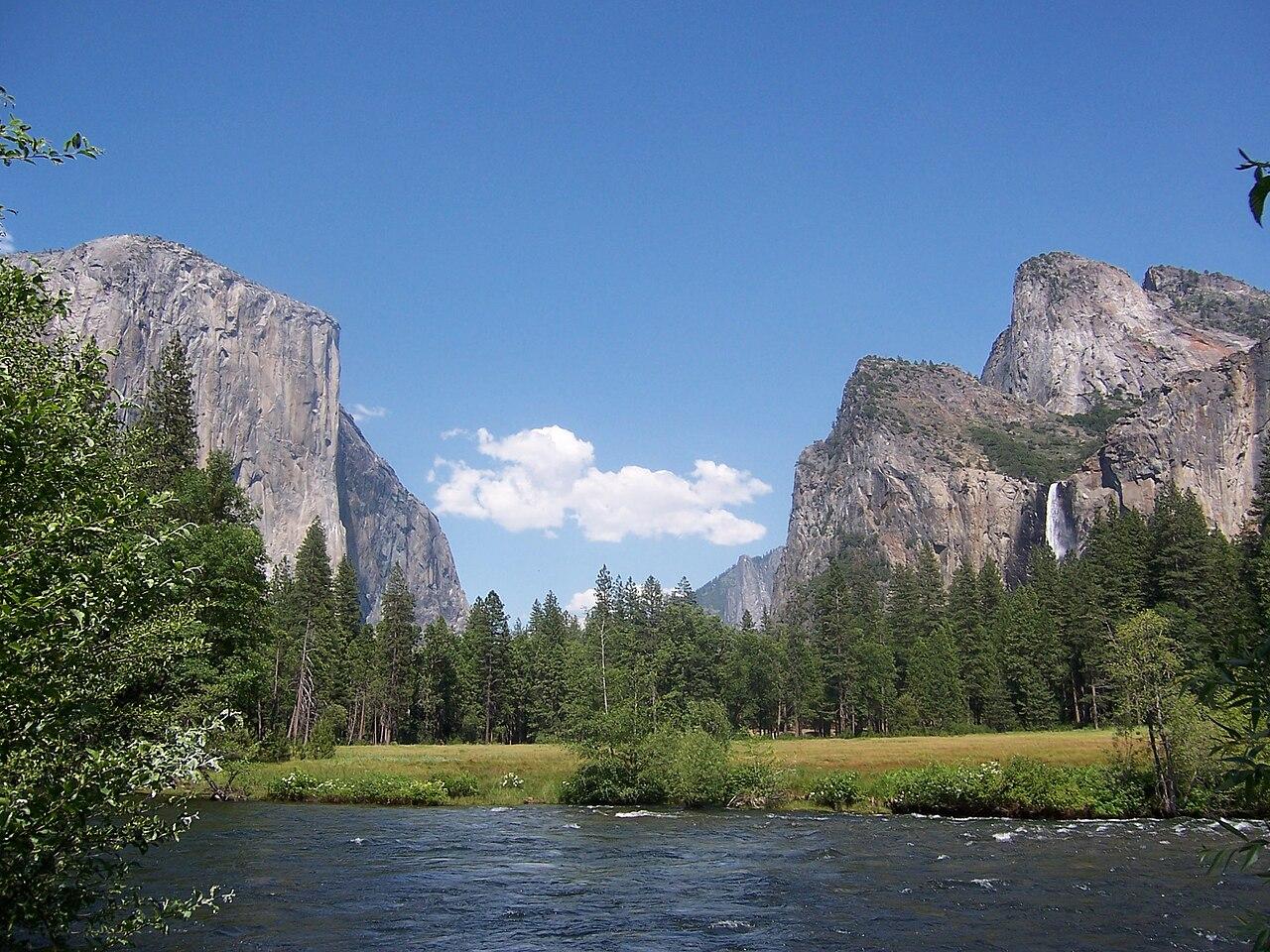 1280px-Yosemite.JPG