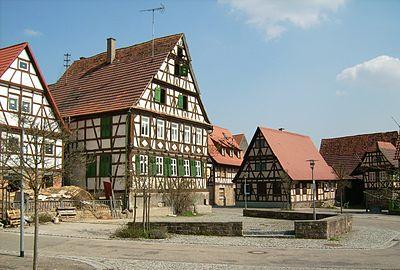 Zaisersweiher Marktplatz.jpg